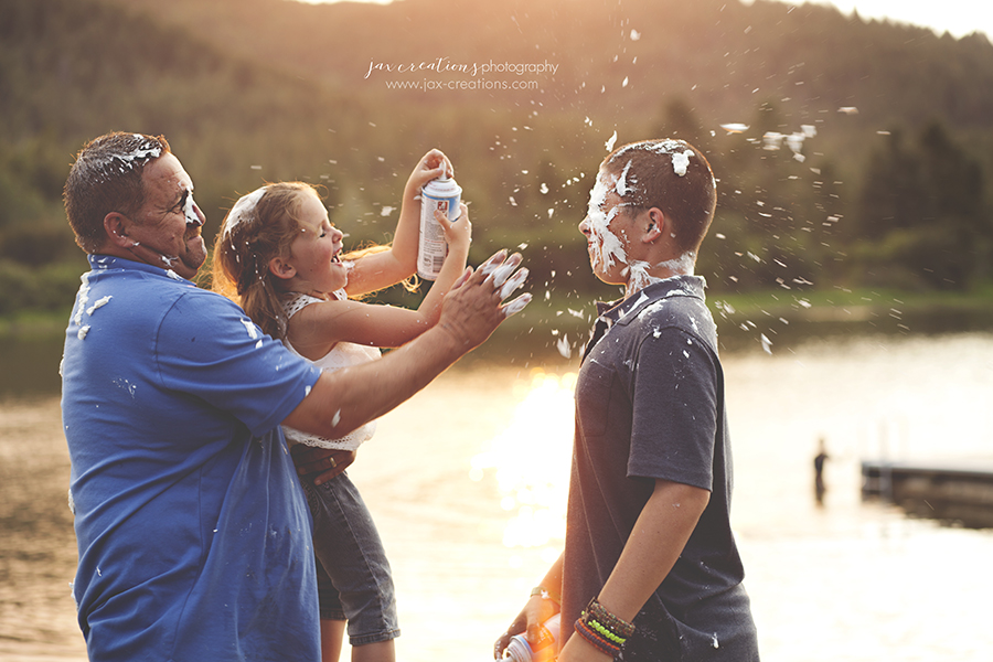 Jax Creations Photography, family photographer, spirit lake idaho, coeur d'alene idaho, lake, food fight